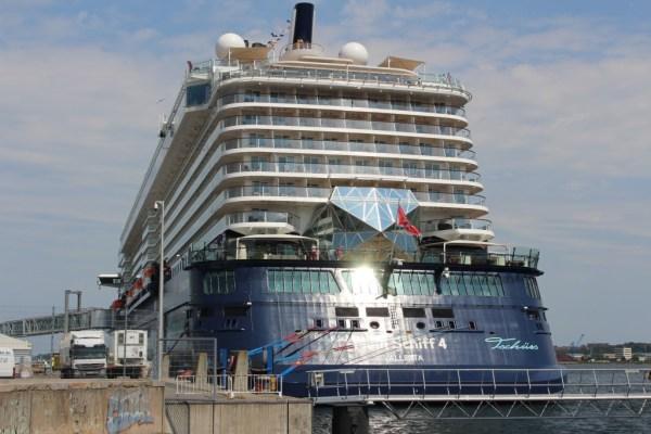 Mein Schiff 4 in Kiel