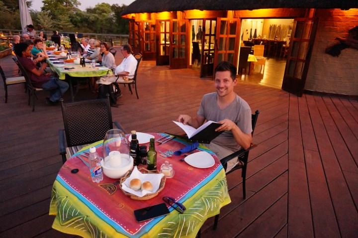 Dinner in der Hakusembe River Lodge