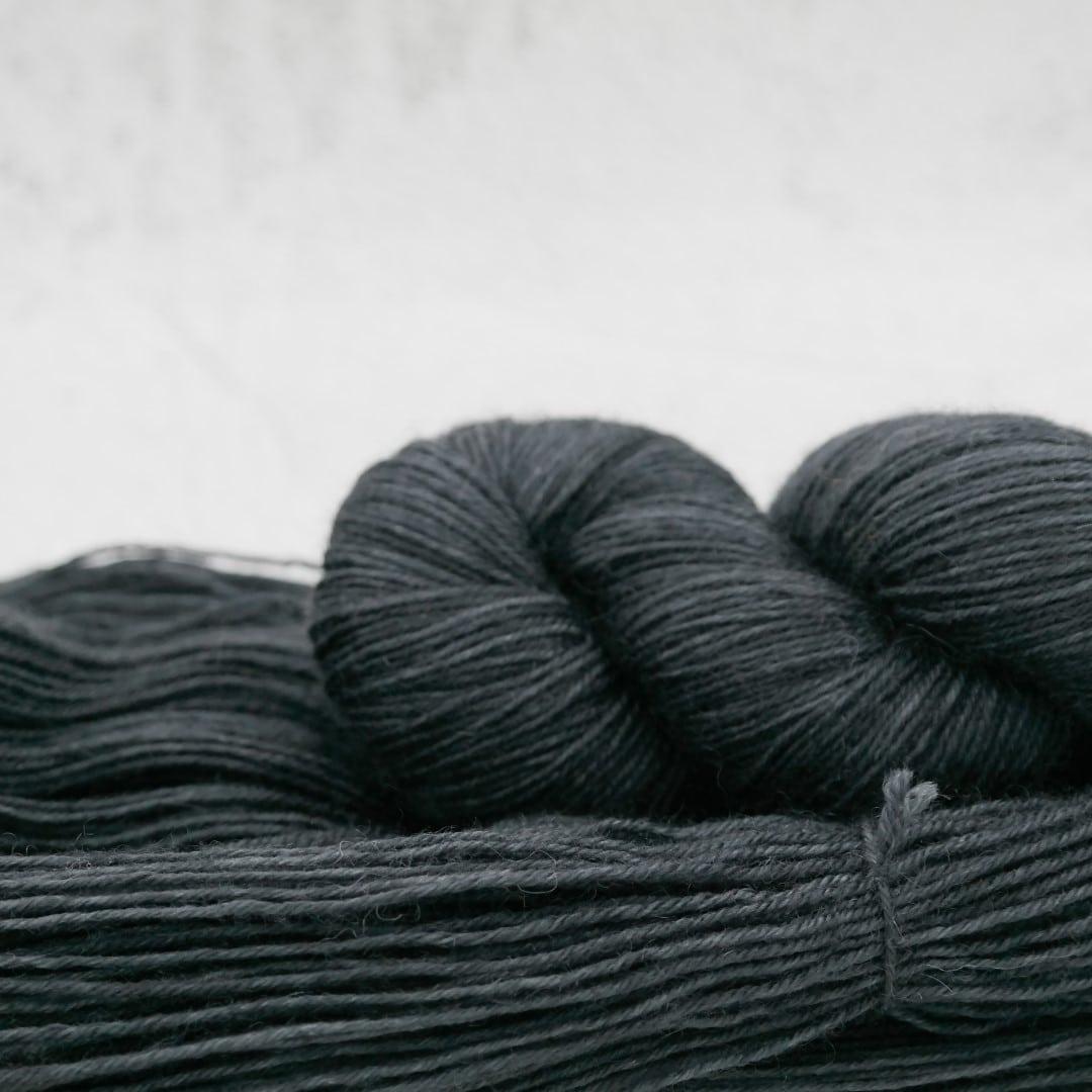 Blouson Noir - Bluefaced Leicester - Fingering | Teinturlurée