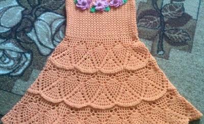 Vestido ganchillo nena con esquemas