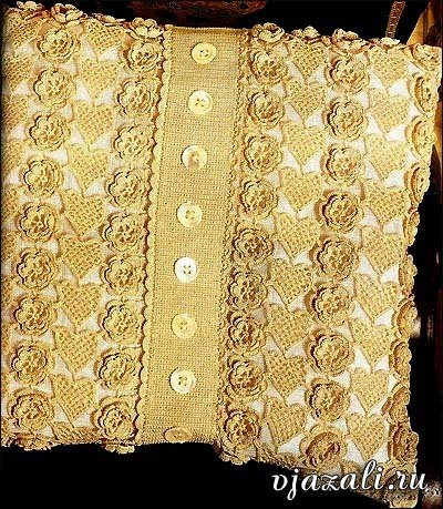 Cojín crochet elegante