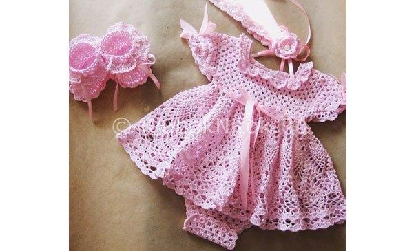 Vestido crochet bebita