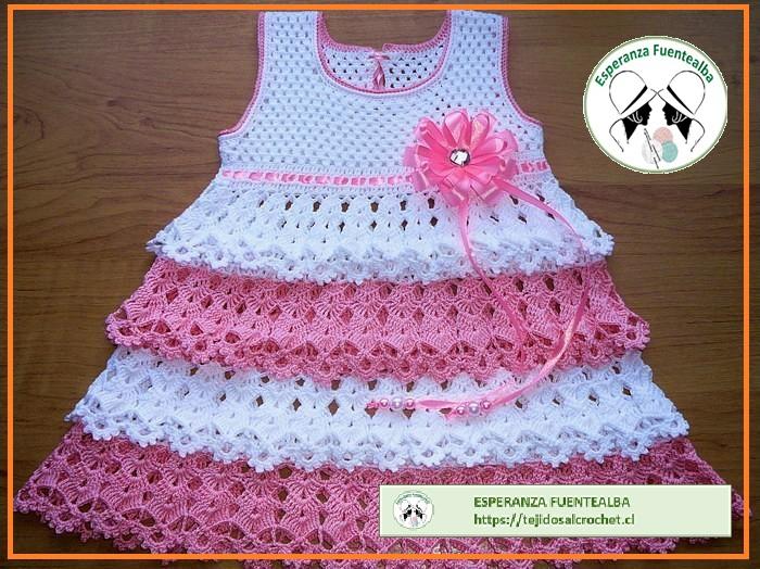 Modelos de vestidos tejidos de bebe
