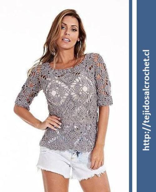 Blusas crochet patrones. Una blusa tejida con motivo