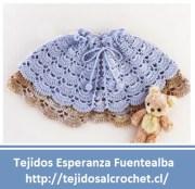 Crochet bebe. Una linda capa para bebe tejida con gancho