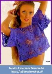 Patrones blusas. Blusa a crochetmoderna de color muy llamativo