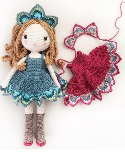 Amigurumi doll: Lady Peacock
