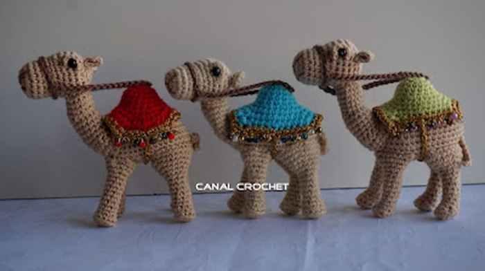 Patrón gratis camellos amigurumi crochet