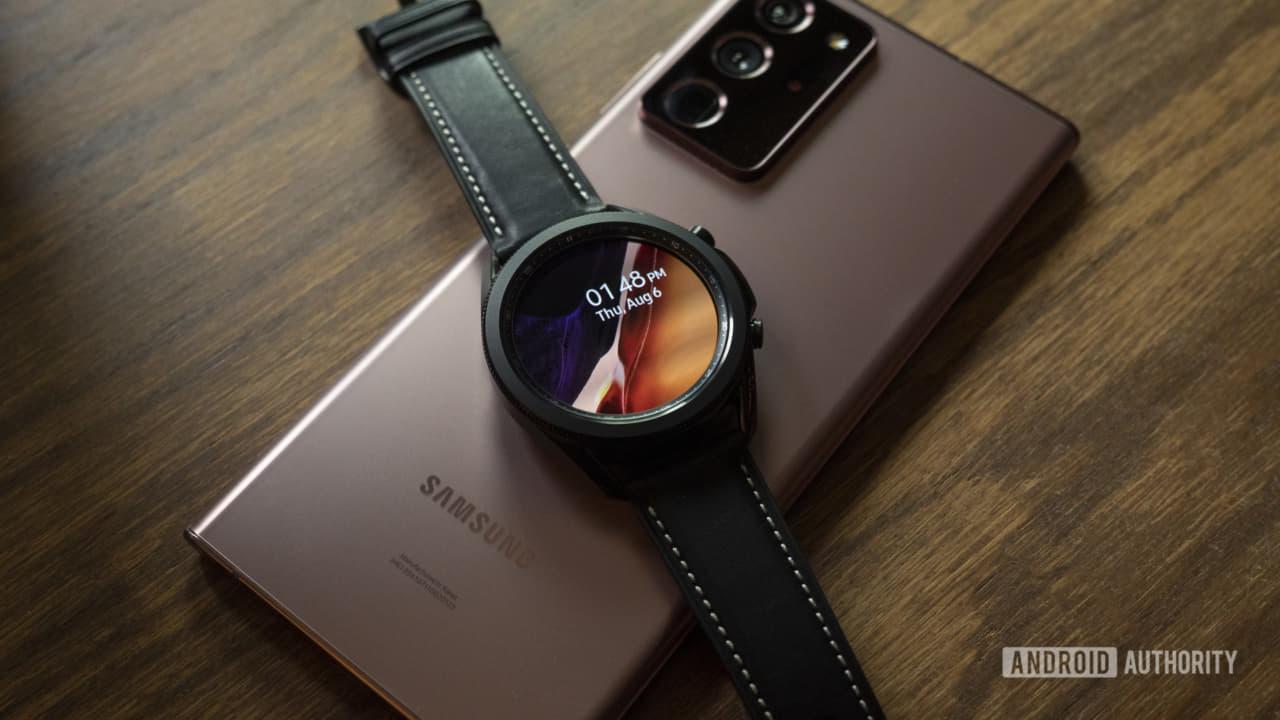 Galaxy Watch 3 cùng điện thoại Samsung
