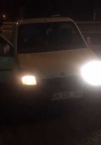 5 koltuklu araçtan 16 kişi çıktı