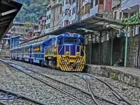 マチュピチュペルーレイルの電車