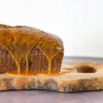glutenfri krydderkage med karamelglasur