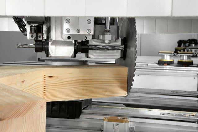 Пильный диск рабочего блока обрабатывающего центра с ЧПУ ACCORD WD, производство SCM Италия