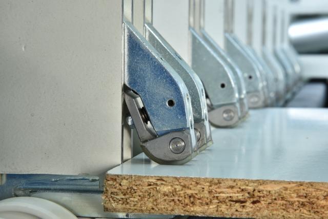 Блокирующие зажимы углового раскроечного центра Gabbiani A3, производство SCM Италия