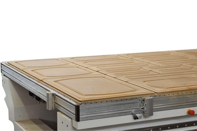 Кухонные двери на рабочем столе ACCORD 25 FXM, производство SCM (Италия)