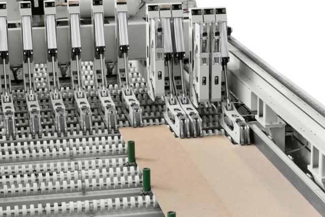 Устройство FlexCut углового раскроечного центра Gabbiani A3, производство SCM Италия