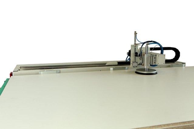 Выравнивающее устройство загружаемых панелей Morbidelli N100, производство SCM (Италия)