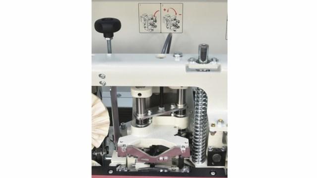 Кромочный скребок кромкооблицовочного станка Minimax ME 28T RC, производство SCM Италия