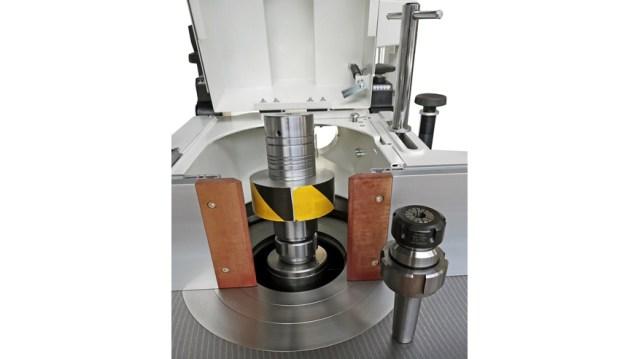 Конус держателя инструмента MK5 с кольцевой гайкой и плоскогубцами фрезерного станка Class TF 130E, производство SCM Италия