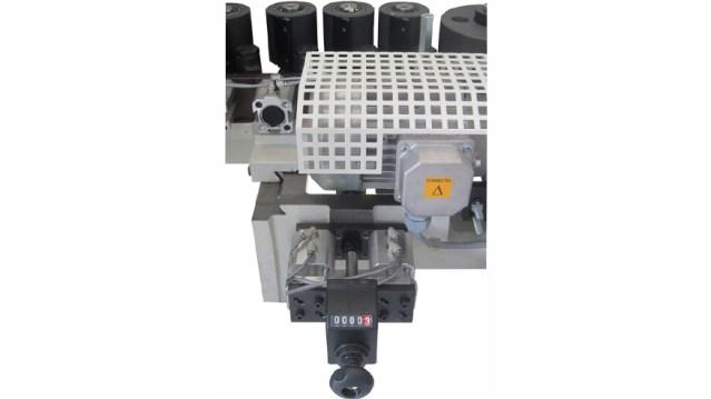 Кромкооблицовочный станок Stefani XD, производство SCM Италия, прижимной роликовый конвейер