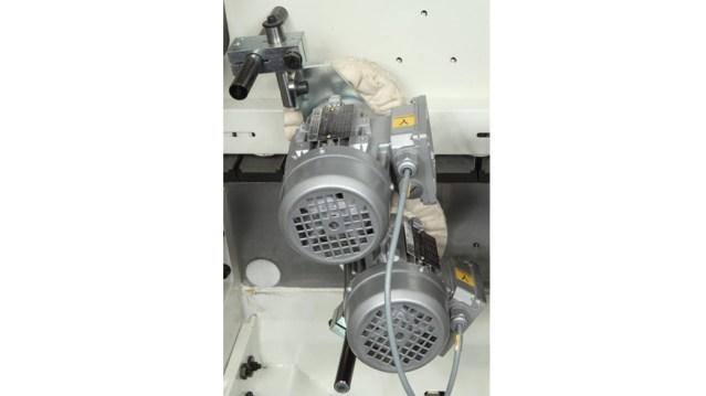Кисти в кромкооблицовочном станке Olimpic K 560, производство SCM Италия