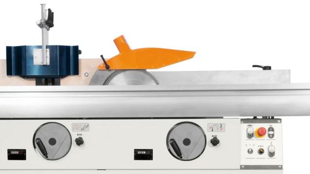 Универсальный многооперационный станок Minimax CU 410E, производство SCM Италия, числовые индикаторы позиций