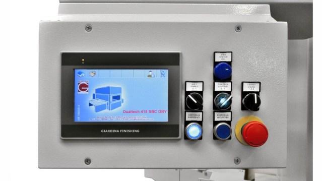 Автомат окраски распылением Dualtech 416 SB DRY/WET, производство Giardina Group Италия, панель управления