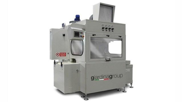 Автомат окраски распылением с самоочищающимся транспортером и рекуперацией ЛКМ CS4 Sintech, производство Giardina Group Италия