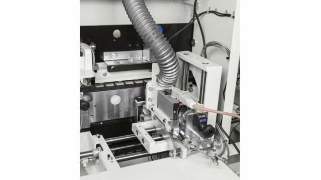 Автоматический кромкооблицовочный станок Minimax ME 40 TR, производство SCM Италия, полировальный узел