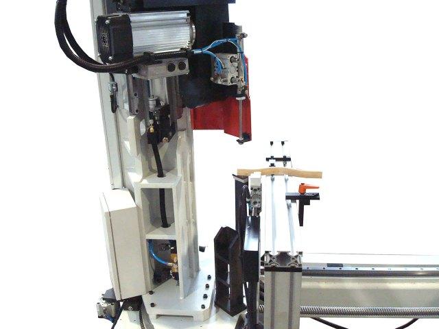 5-ти  осевой станок с ЧПУ  для зарезки багетной рамки BTTF-E, производство Fiorenza Италия