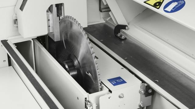 Устройство SAW-SET для быстрой смены инструмента углового раскроечного центра Gabbiani A2, производство SCM Италия