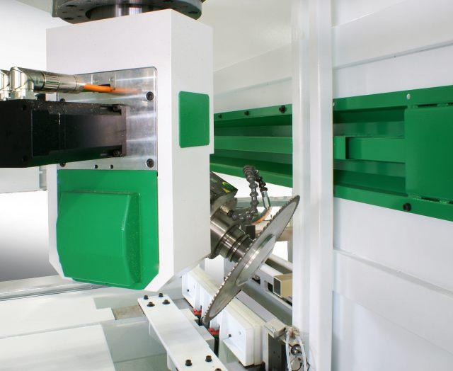 5-ти осевой обрабатывающий центр с ЧПУ Olimpia для обработки алюминия, профилей из легких сплавов и ПВХ, производство Greda Италия