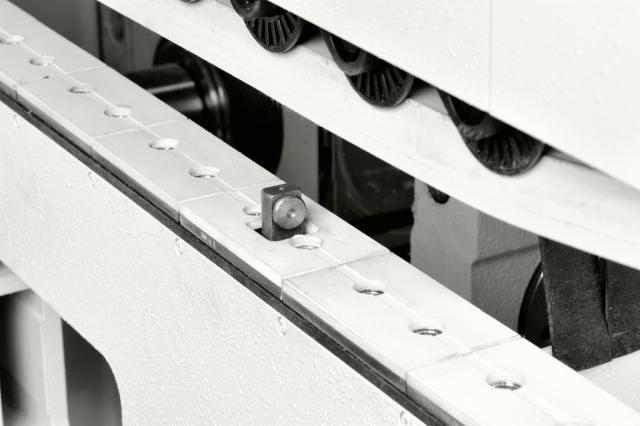 Цепные транспортеры деталей станка Celaschi P 40