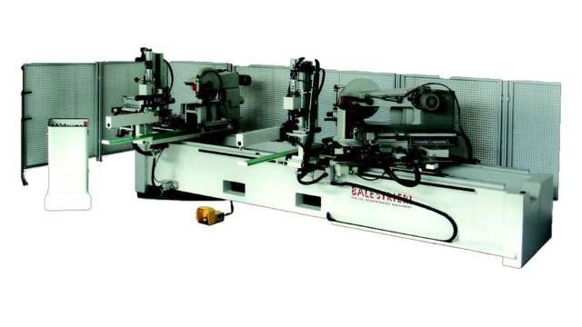 Двусторонний торцовочный станок с наклоняемыми пилами и торцевым сверлением Techna 3001 Plus, производство Balestrieri Италия