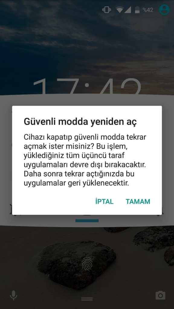 """Bir Android cihazda """"Güvenli Modda Yeniden Aç"""" seçeneği gelmiş ekran görüntüsü."""