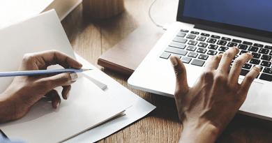 Sosyal Medya Yöneticiliği Bölümü Ne İş Yapar? Ne Kadar Maaş Alır