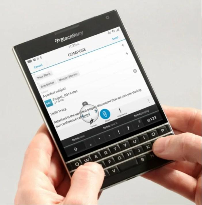 BlackBerry Passport inaweza Kuwavutia Wafanyakazi wa Kiofisi Zaidi