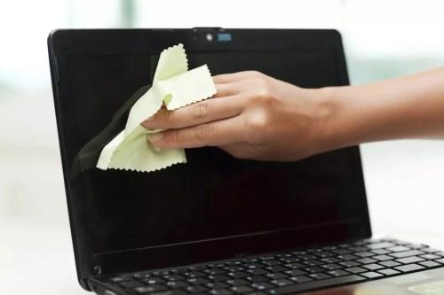 kusafisha kioo cha laptop