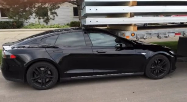 model-s-wummon-accident tesla