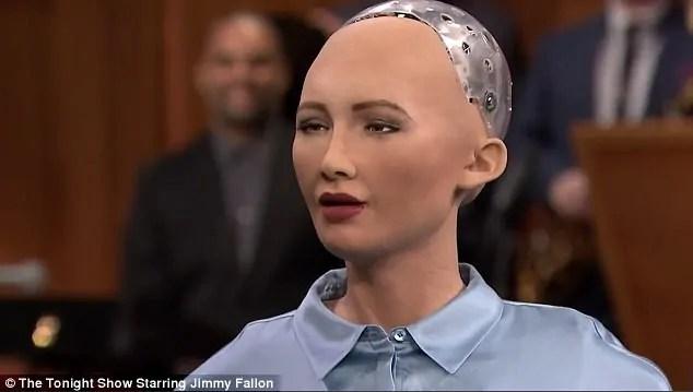 Roboti kupewa uraia Dubai: Mfahamu roboti Sophia