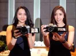Fujifilm meluncurkan kamera mirrorless X-T100 dengan resolusi 24 MP