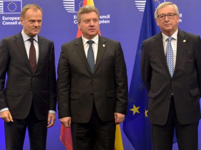 Donald Tusk (tv), Gjorge Ivanov og Jean-Claude Juncker