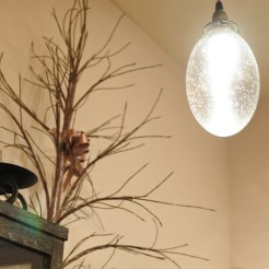 植物やアンティーク好きなオーナーのセンスが光ります
