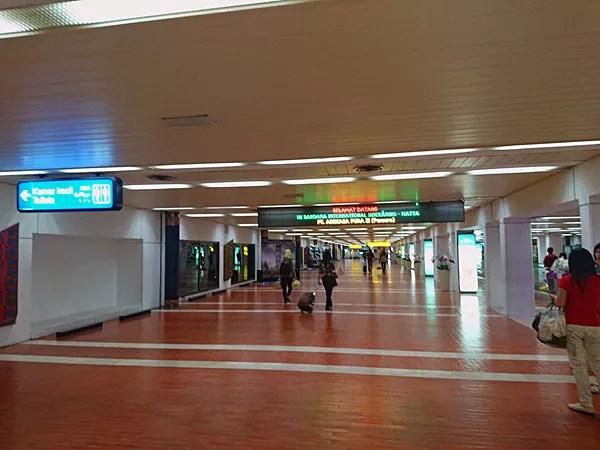 ※スカルノ・ハッタ国際空港に到着