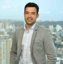 """""""O nosso movimento de apoio a uma nova categoria de séries curtas para celular está fundamentado em dados de mercado. O tráfego móvel de vídeos em 2015 representou 55% do total e deve aumentar 11 vezes até 2020"""", diz Fernando Luciano, diretor de SVA e inovação na Telefônica Vivo."""