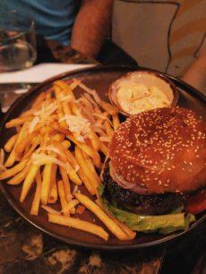 bushwick bar tel aviv burger