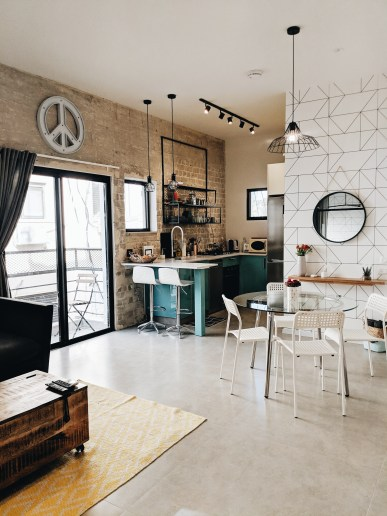airbnb apartment in tel aviv kitchen