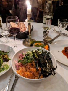 ארוחת ערב בפריז