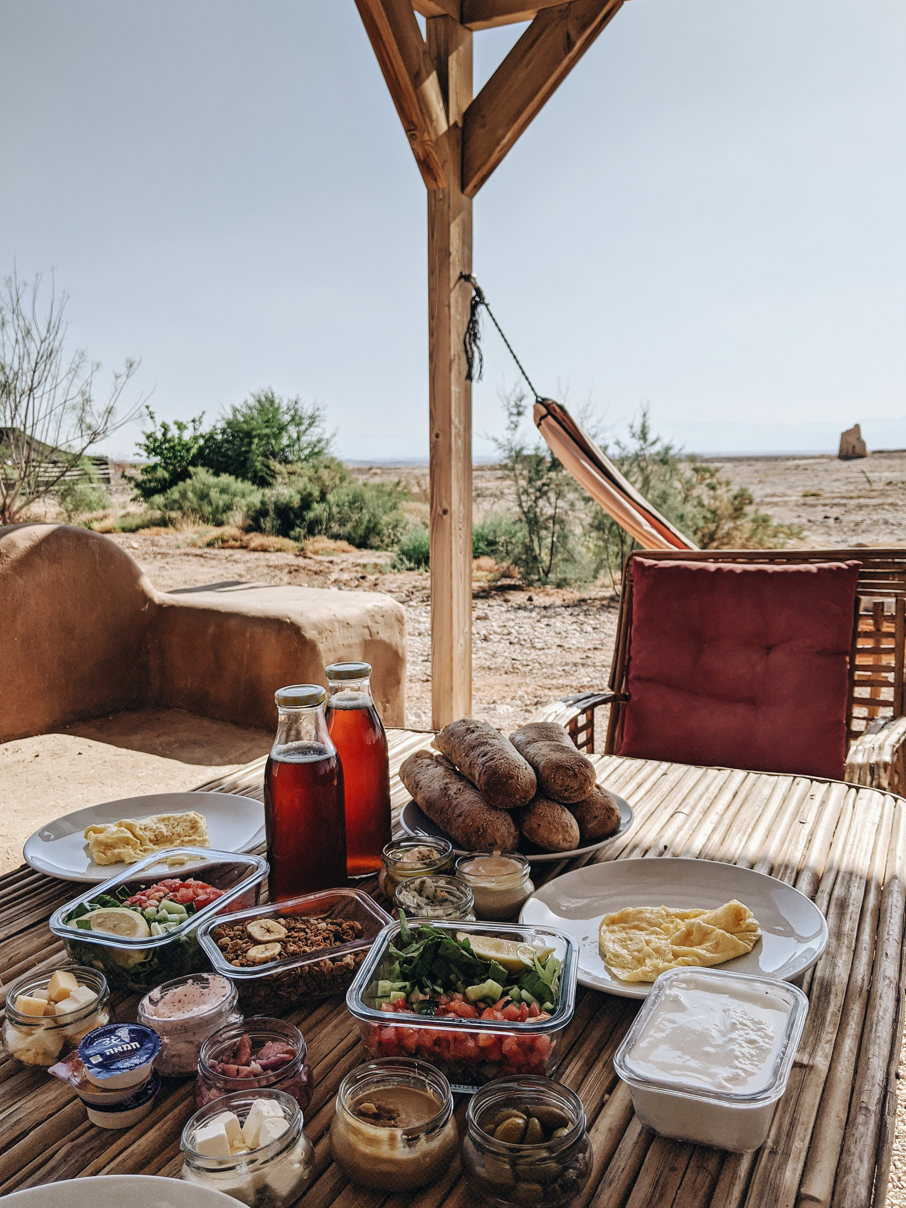vacation in israel desert breakfast