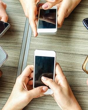 Turbocharging Growth : Smartphone giants modify marketing strategies